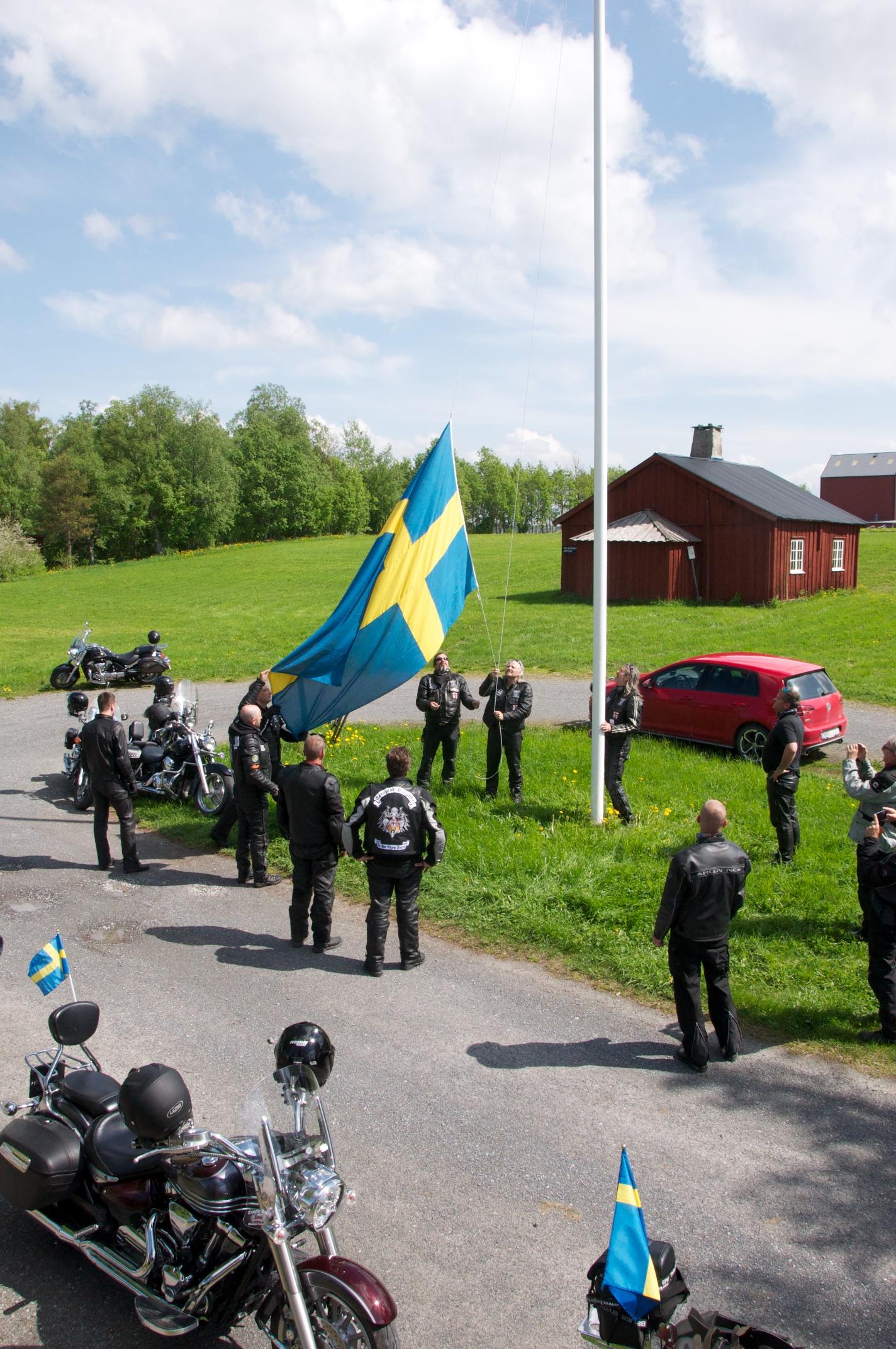2014-TKMC-Flaggutdelning23